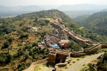 Private Day Trip to Kumbhalgarh Fort Including Lunch at Kumbhalgarh Royal Villas