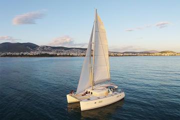 Cruzeiro luxuoso de catamarã saindo de Atenas com refeição...