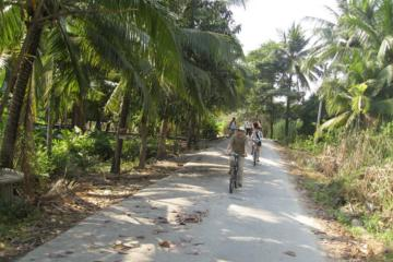 ボートと自転車で行くバンコク ツアー