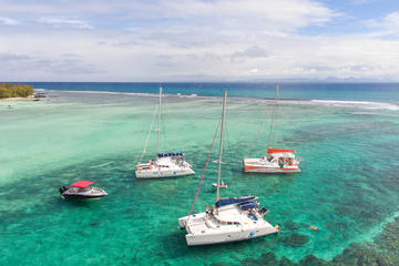Mauritius Luxury Cruise to Flat Island Ilot Gabriel and Gunners Coin