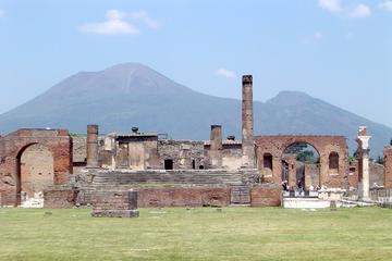 Skip-the-Line Pompeii Walking Tour