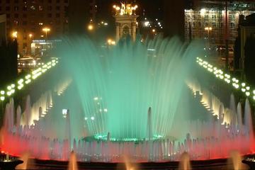 Magic Wasserspiele und Gay Tour bei Nacht in Barcelona