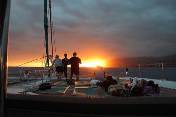 Croisière en catamaran au coucher du soleil au départ de Funchal