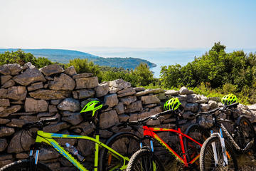 Private Bike Tour: Discover Solta...