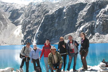 69 Lake in Cordillera Blanca from ...