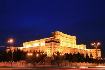 Tour della città di Bucarest di notte