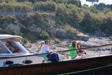 Excursão de barco privada para a Costa Amalfi saindo de Sorrento