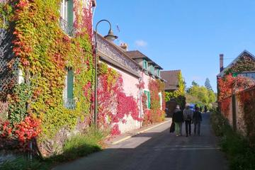 Giverny and Honfleur Private Day Trip from Paris