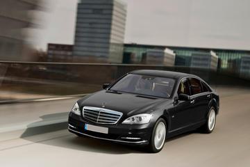 Paris Region Luxury Day in a Chauffeured Mercedes