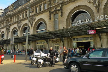 Private Transfer: Paris Hotel to any Railway Station