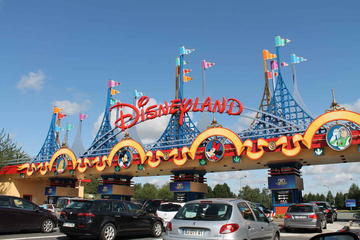 Round Trip Transfer from Charles de Gaulle (CDG) or Orly (ORY) Airports to Disneyland