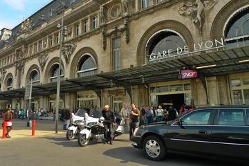 Transfert privé: De la gare à l'hôtel à Paris