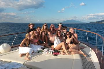 Experiencia en barco en Capri desde Sorrento