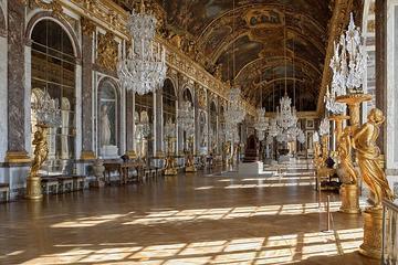 Visita Evite las colas al Palacio de Versalles con traslados desde el...
