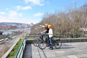 Geführte Fahrradtour mit Elektrofahrrädern in einer kleinen Gruppe...