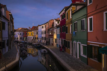 Murano and Burano Full Day Photo Tour with a Professional Photographer