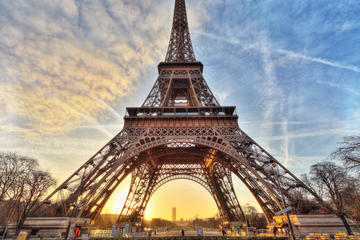 Eiffelturm-Ticket mit bevorzugtem...