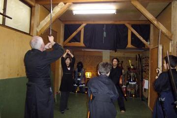 侍の剣術と手裏剣体験