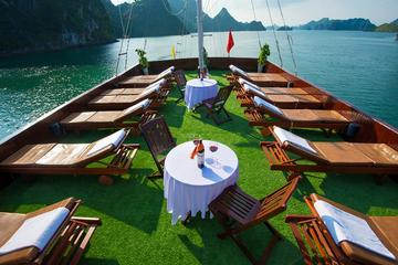 Hạ Longbaai-cruise: Boottocht met overnachting vanuit Hanoi