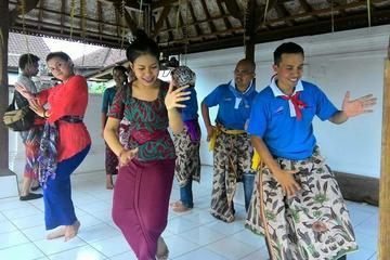 Balinese dance and Tanah Lot sunset