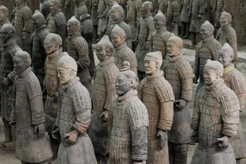 One-Day Private Tour of Xi'an Terra-Cotta Warriors and City Wall
