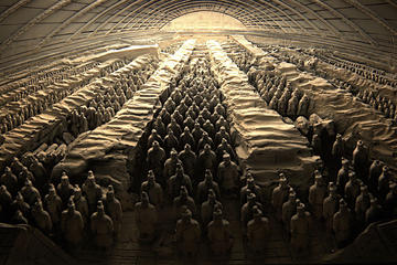 Private Xi'an Day Tour Including Hanyangling Museum And Terra-Cotta Warriors