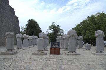 Xi'an West Route Private Tour: Famen Temple and Qianling Mausoleum