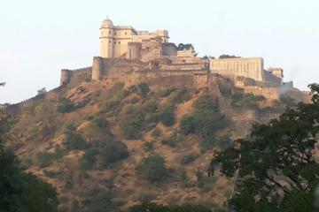 Private Full-Day Tour of Kumbalgarh Fort from Udaipur