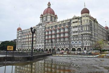 Private Half-Day Mumbai City Tour: Hanging Garden Mani Bhavan Dhobi Ghat and Kamla Nehru Park