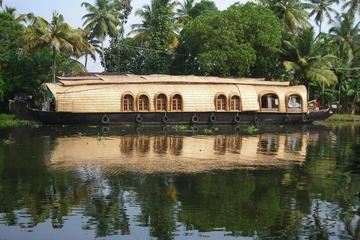 Private Tour: Kerala Deluxe Houseboat Backwater Tour in Alappuzha