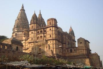 Private Tour Khajuraho to Jhansi with Orchha Fort