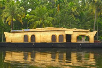 Private Tour: Overnight Kerala Premium Houseboat Backwater Tour in...