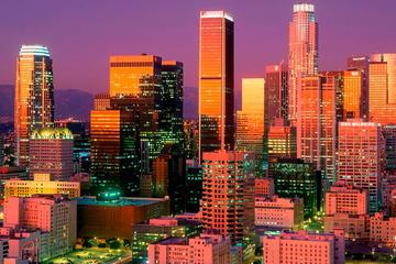 Recorrido turístico privado por Los Ángeles en un lujoso todoterreno