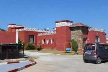 Private Transfer From  Udaipur To Dungarpur Fort