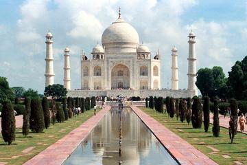 Taj Mahal bei Sonnenaufgang und Fort Agra: Tagesausflug ab Delhi