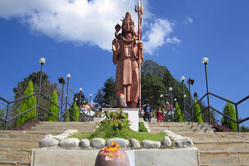 カイラスナート・マハデブ(シヴァ神像)を含む、…