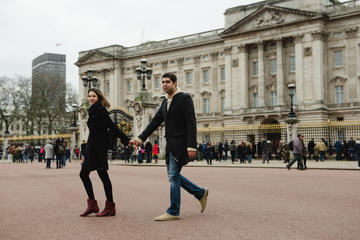 Styled Photoshoot Around Buckingham Palace
