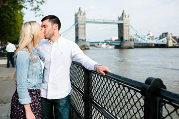 Styled Photoshoot at Tower Bridge in London