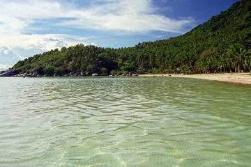 サムイ島発ランチ付きタオ島とナン ユアン島