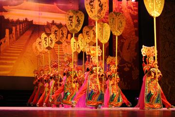 Evening Chinese Acrobatics and Shanghai Evening Tour