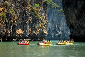 Excursion en canoë dans les grottes marines de la baie de Phang Nga...