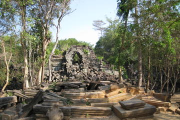 Full Day Koh Ker and Beng Mealea Exploration from Siem Reap