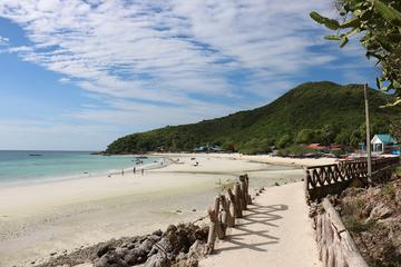 Full-Day Koh Larn Island Day Tour from Pattaya with Lunch