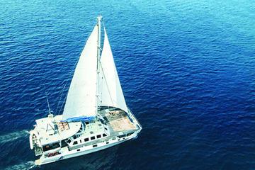 Full Day Nusa Lembongan Sailing Experience