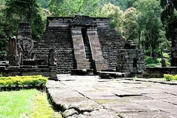 Tour privato della città di Solo e- del Tempio di Candi Sukuh da