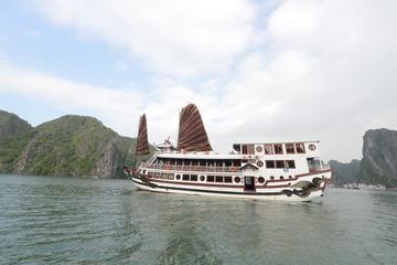 Crucero Royal Palace de tres días en la bahía de Halong