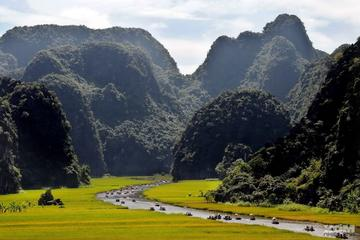 Hoa Lu and Tam Coc Tour from Hanoi
