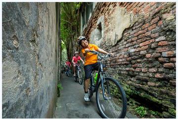 Tour in bici del passato e del presente di Bangkok