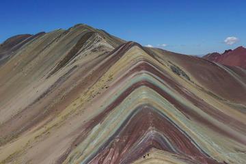 Trip met overnachting naar de Regenboogberg van Peru vanuit Cusco