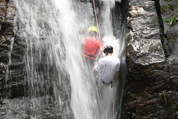 Randonnée dans le parc national de Tijuca et rappel dans une cascade
